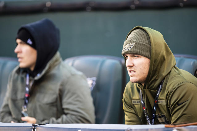 No, Mike Trout doesn't know when Bryce Harper is arriving in Philadelphia. (Getty Images)