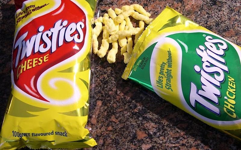 """Tom Colella was able to play golf 140 times while on shift by using a crisp packet as a""""Faradaycage"""""""