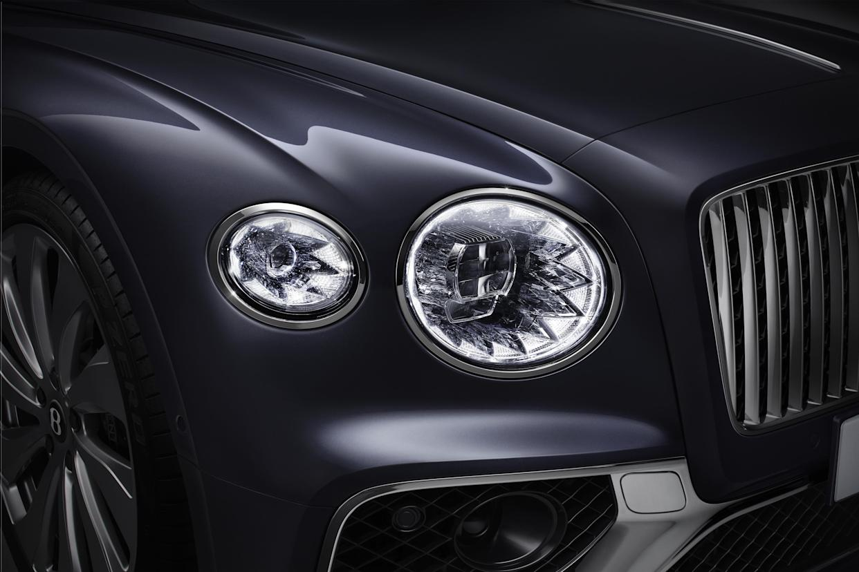 Diamond-cut Matrix LED headlights are fitted up front