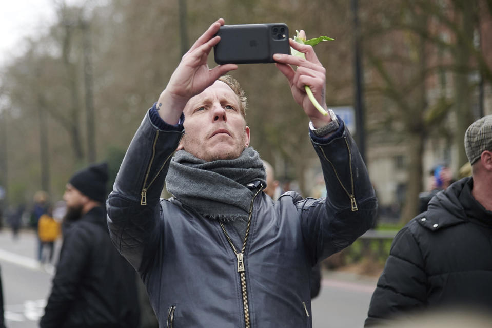 Photo by: zz/KGC-247/STAR MAX/IPx 2021 3/20/21 Laurence Fox at an anti-lockdown protest rally in Hyde Park on March 20, 2021 during the worldwide coronavirus pandemic. While emergency lockdown restrictions are continued in The United Kingdom as health officials take measures to prevent new variants of the virus from affecting greater Europe, protesters staged demonstrations in several European cities advocating personal freedom of choice in objection to the continued COVID-19 lockdown requirements. (London, England, UK)