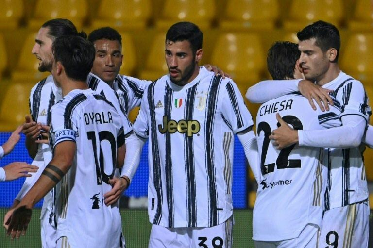 Juventus forward Alvaro Morata (R) scored and saw red in a 1-1 stalemate at Benevento