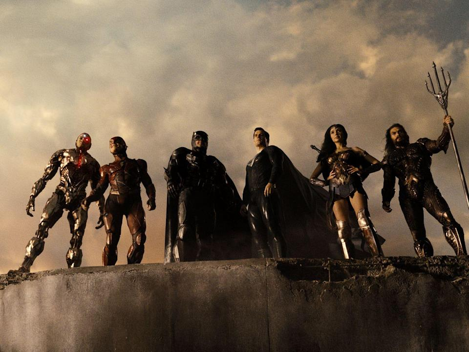 Sie sind Helden (von links): Cyborg (Ray Fisher), The Flash (Ezra Miller), Batman (Ben Affleck), Superman (Henry Cavill), Wonder Woman (Gal Gadot) und Aquaman (Jason Momoa). (Bild: 2021 WarnerMedia Direct, LLC. All Rights Reserved.)