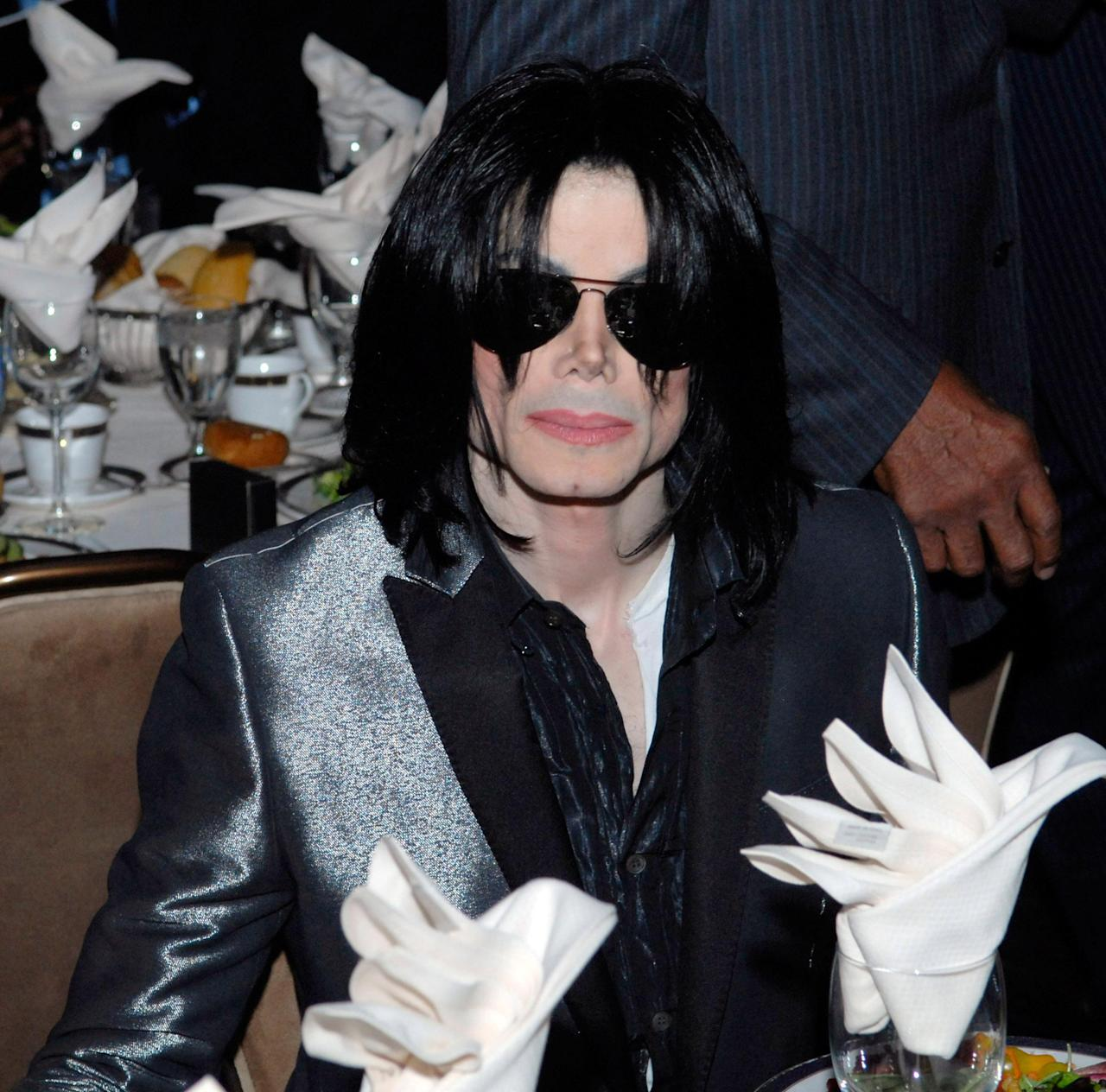 Michael Jackson allegedly cried when Marlon Brando confronted him about child sexual abuse allegations