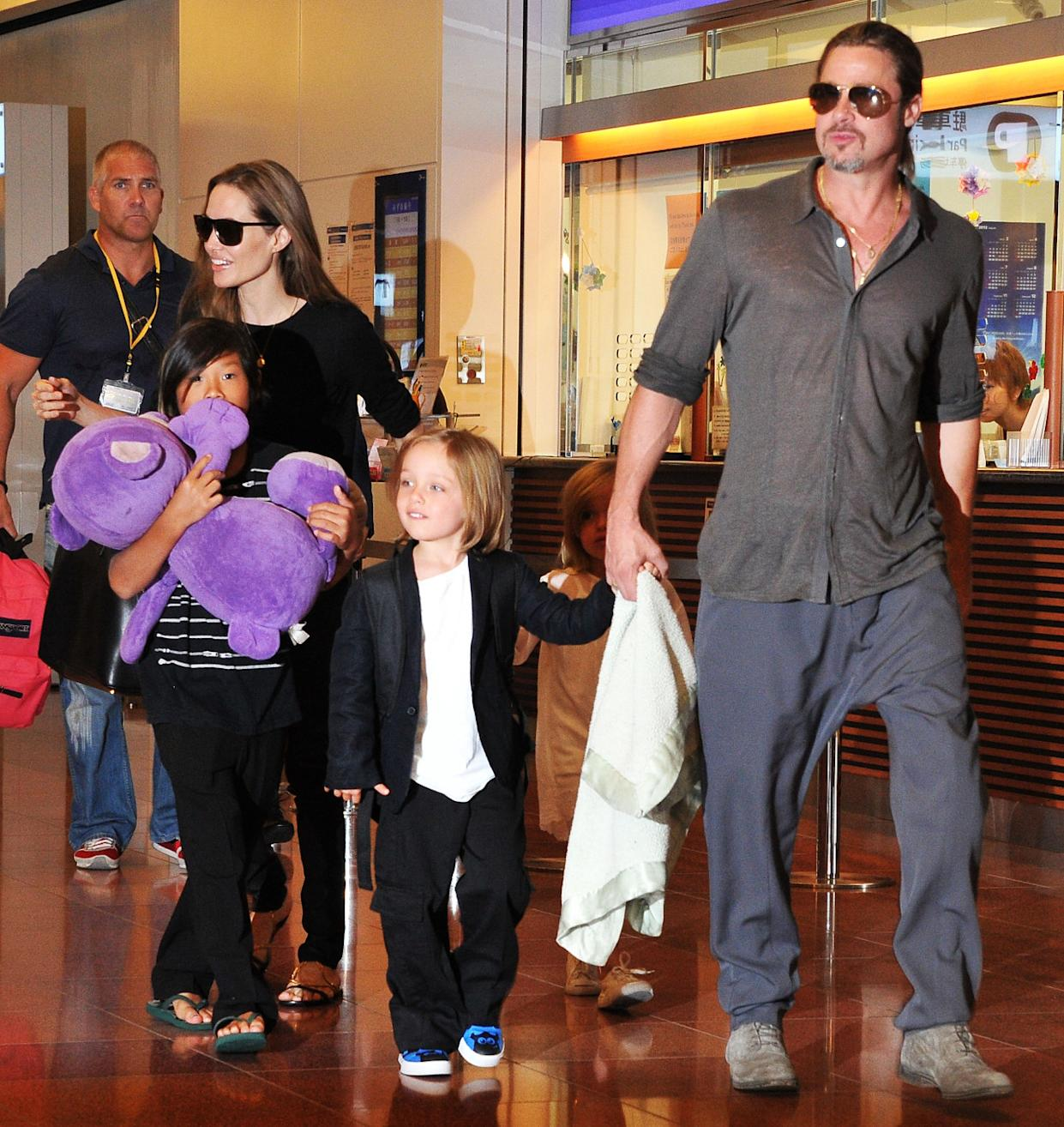 The Trauma Of Parenthood >> Angelina Jolie Goes From Miserable Childhood To Dorky