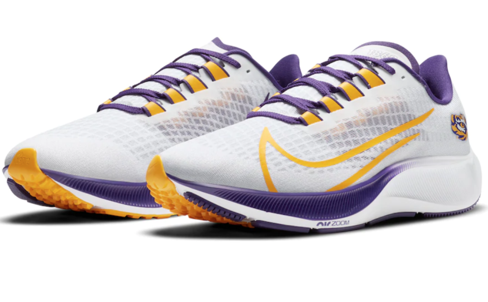 Where to buy the Nike Air Zoom Pegasus 37 running shoes in your favorite college team's color