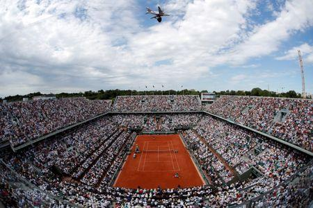 Tennis - French Open - Roland Garros, Paris, France - June 11, 2017   General view during the final between Switzerland's Stan Wawrinka and Spain's Rafael Nadal   Reuters / Gonzalo Fuentes