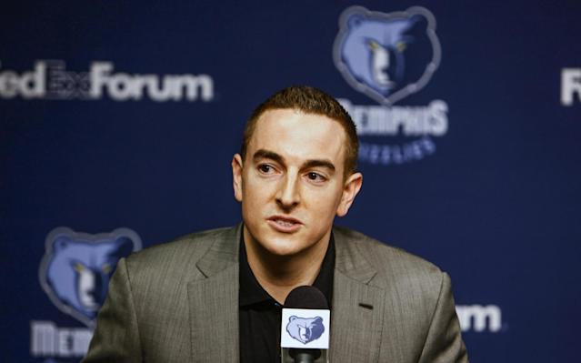 "Robert Pera will retain his controlling interest in the <a class=""link rapid-noclick-resp"" href=""/nba/teams/mem"" data-ylk=""slk:Memphis Grizzlies"">Memphis Grizzlies</a>, the team announced on Monday. (AP/William DeShazer)"