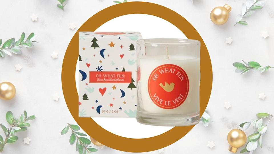 From freshly baked cookies to cranberry rosé, we take a look at the best holiday-scented candles to gift this year.