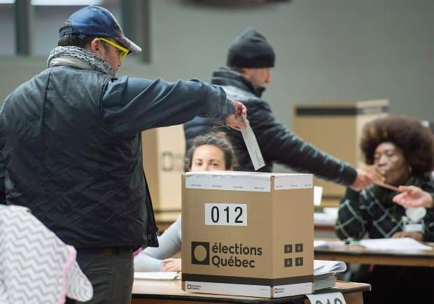 Quebec's Bill 39 lays out a mixed-member proportional representation system for the province. (Graham Hughes/The Canadian Press - image credit)