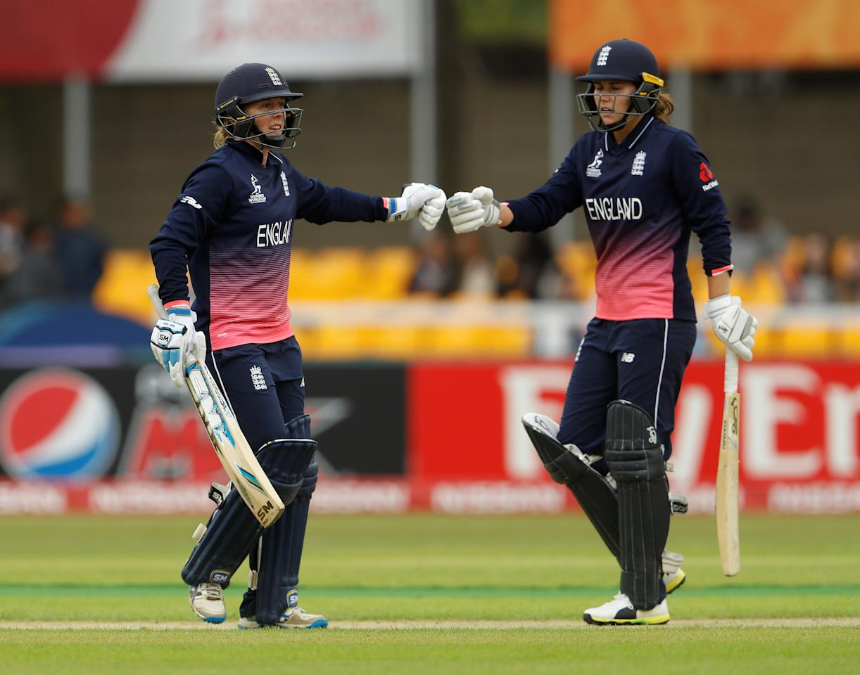 Cricket - England vs Pakistan - Women's Cricket World Cup - Leicester, Britain - June 27, 2017   England's Natalie Sciver celebrates with Heather Knight    Action Images via Reuters/Lee Smith