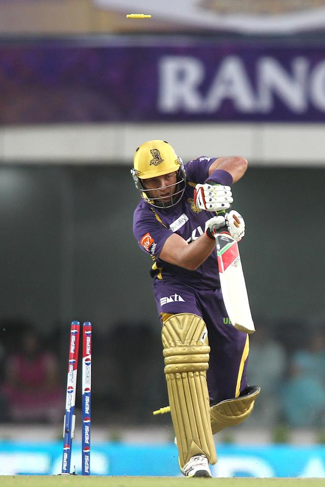 Jacques Kallis of Kolkata Knight Riders is clean bowled by Wayne Parnell of Pune Warriors India during match 65 of the Pepsi Indian Premier League between The Kolkata Knight Riders and the Pune Warriors India held at the JSCA International Stadium Complex, Ranchi, India on the 15th May 2013..Photo by Shaun Roy-IPL-SPORTZPICS    ..Use of this image is subject to the terms and conditions as outlined by the BCCI. These terms can be found by following this link:..https://ec.yimg.com/ec?url=http%3a%2f%2fwww.sportzpics.co.za%2fimage%2fI0000SoRagM2cIEc&t=1493451311&sig=HsWeSmBOX858SKmH2TDGdg--~C