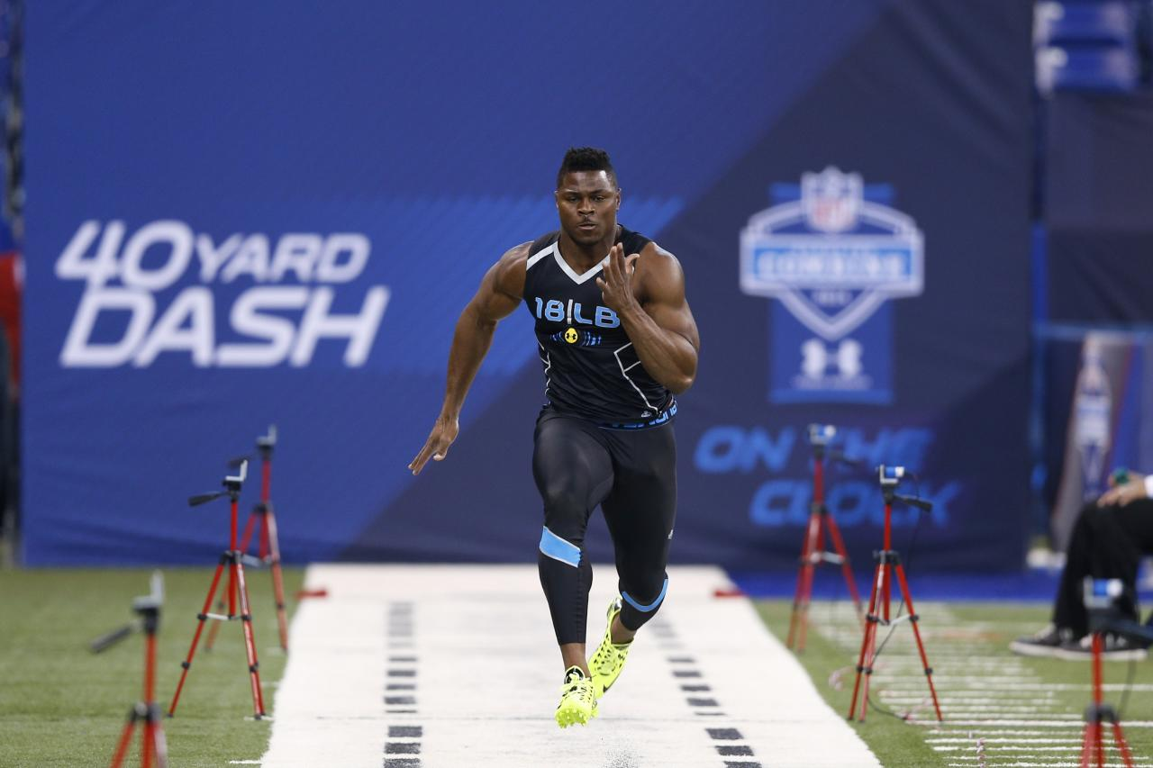 INDIANAPOLIS, IN - FEBRUARY 24: Former Buffalo linebacker Khalil Mack runs the 40-yard dash during the 2014 NFL Combine at Lucas Oil Stadium on February 24, 2014 in Indianapolis, Indiana. (Photo by Joe Robbins/Getty Images)