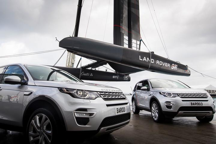 land rover bar americas cup yacht race rita s america challenger lloyd images