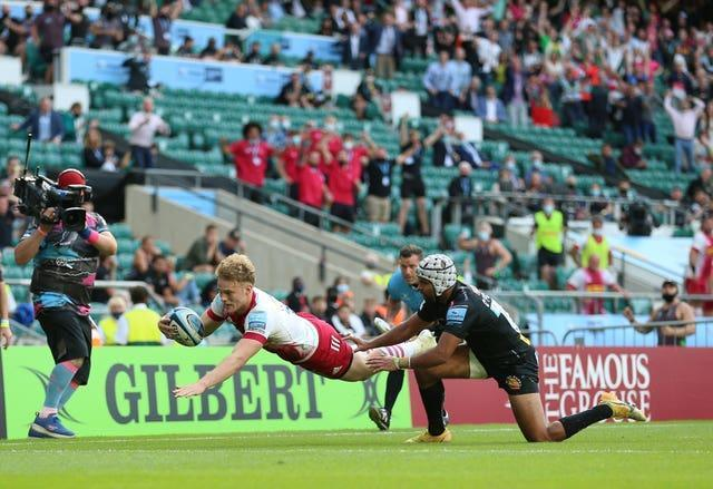 Louis Lynagh secured victory for Harlequins with two late tries