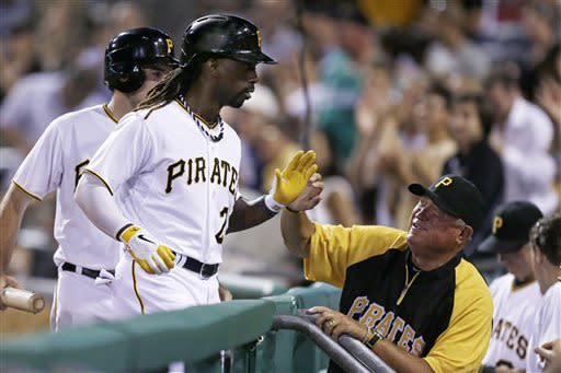 Pirates rally by Mets 4-2 for 3rd straight win