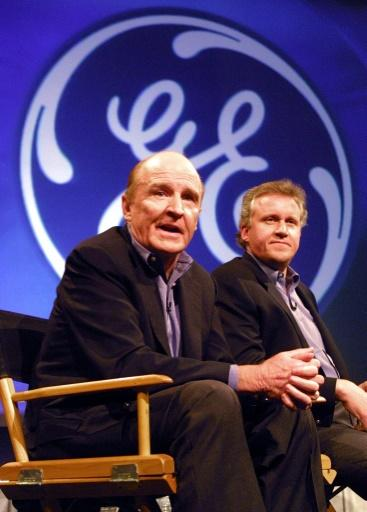General Electric CEO Jack Welch (L), pictured in 2000 with Jeff Immelt who succeeded him
