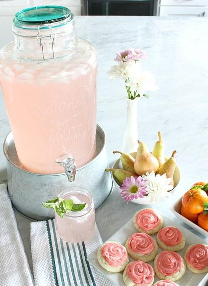 Better Homes & Gardens 2 Gallon Round Glass Beverage Dispenser with Clamp Lid. (Photo: Walmart)