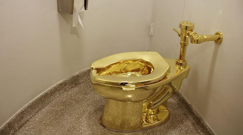 Golden Toilet Worth $1.25 Million Stolen From Winston Churchill's Blenheim Palace in UK; Artist Asks Thieves 'How it Feels to Pee on Gold?'