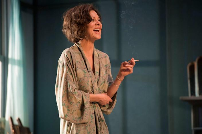 In The Deep Blue Sea at the National Theatre, 2016 - Richard Hubert Smith
