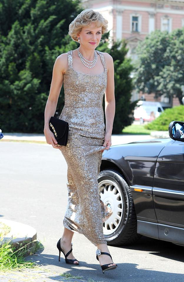 Naomi Watts is seen portraying Princess Diana Of Wales on the set of 'Caught In The Flight', Naomi is recreating the arrival of Diana to the Royal Opera House.