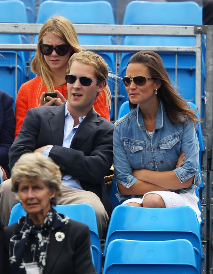 LONDON, ENGLAND - JUNE 09:  Pippa Middleton (R) watches the Men's Singles third round match between Andy Roddick of the United States and Kevin Anderson of South Africa on day four of the AEGON Championships at Queens Club on June 9, 2011 in London, England.  (Photo by Julian Finney/Getty Images)