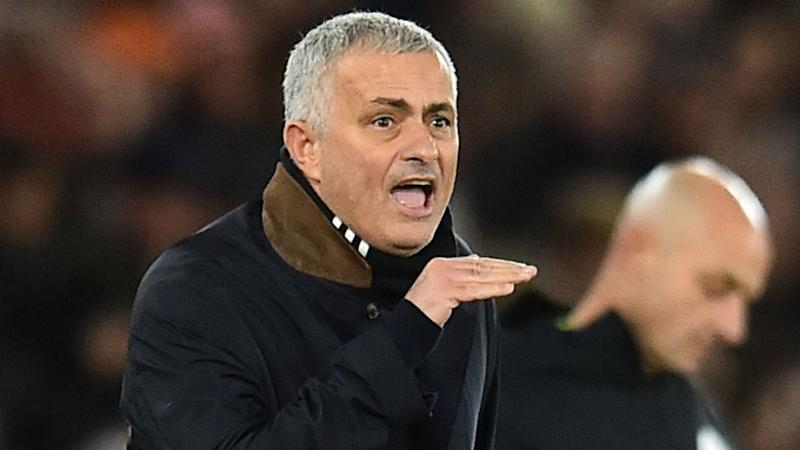 'Phenomenal bench!' - Ferdinand concerned by Mourinho's constant changes