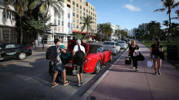 PHOTO: People pack up their car to evacuate as the city prepares for Hurricane Irma, Sept. 7, 2017 in Miami Beach, Florida. (Mark Wilson/Getty Images)
