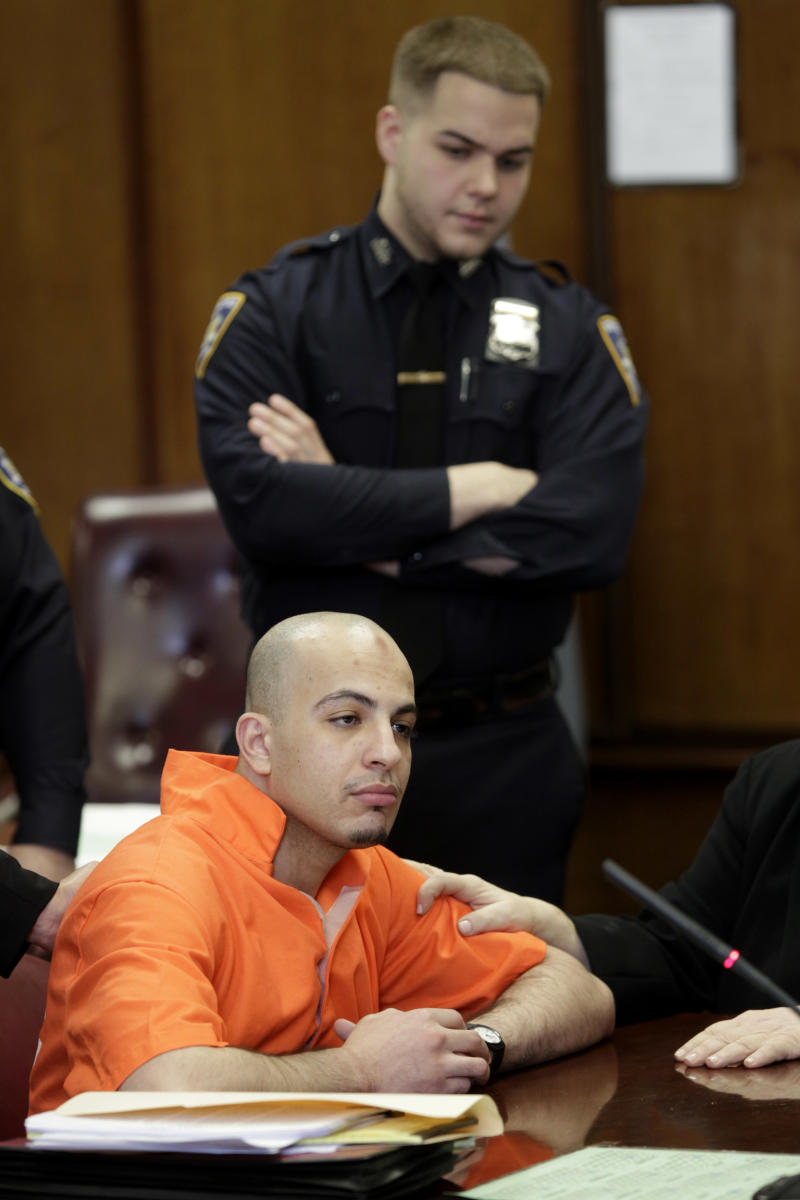 Ahmed Ferhani appears in court in New York, Tuesday, March 13, 2012.  Ferhani and Mohamed Mamdouh are accused of plotting to attack synagogues.  (AP Photo/Seth Wenig)