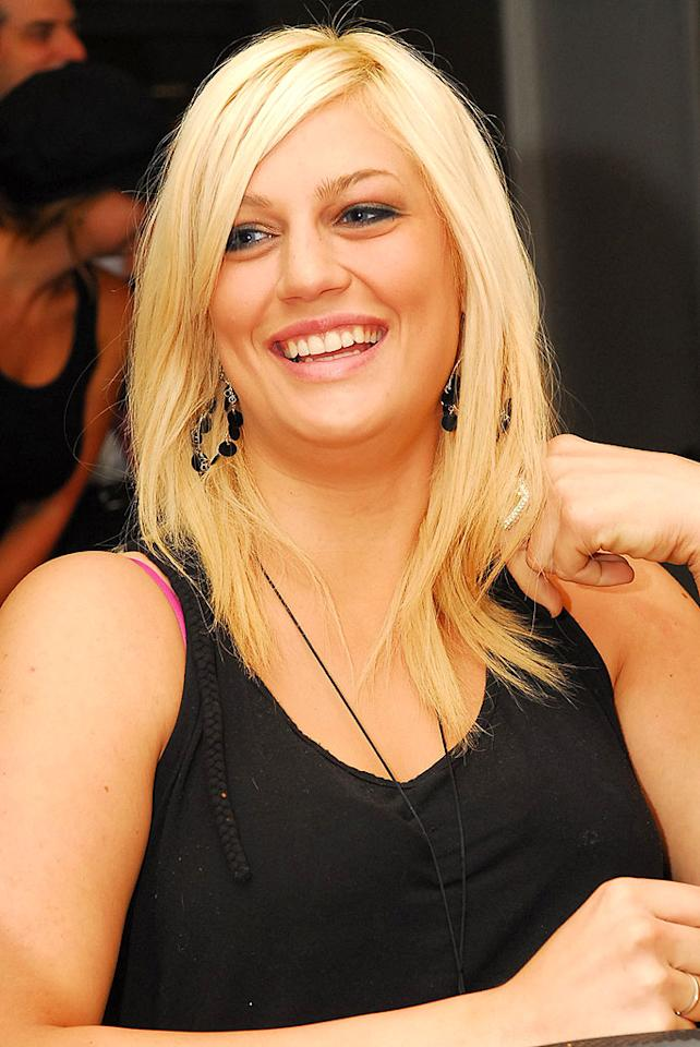 "Leslie Carter, the 25-year-old sister of pop stars Nick (from the  Backstreet Boys) and Aaron, died of an apparent prescription pill  overdose on January 31 at her father's home in New York. A singer  herself, Leslie had a minor hit in 2000 with ""Like Wow,"" which appeared  on the ""Shrek"" soundtrack. She left behind a 10-month-old daughter and  husband."