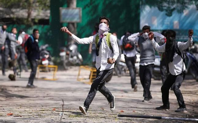 Kashmir: Colleges to remain shut in Valley for 2 more days