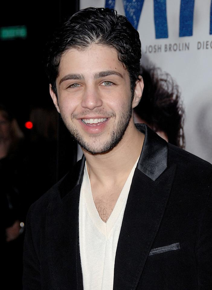 "<a href=""http://movies.yahoo.com/movie/contributor/1800355322"">Josh Peck</a> at the Los Angeles premiere of <a href=""http://movies.yahoo.com/movie/1810041985/info"">Milk</a> - 11/13/2008"