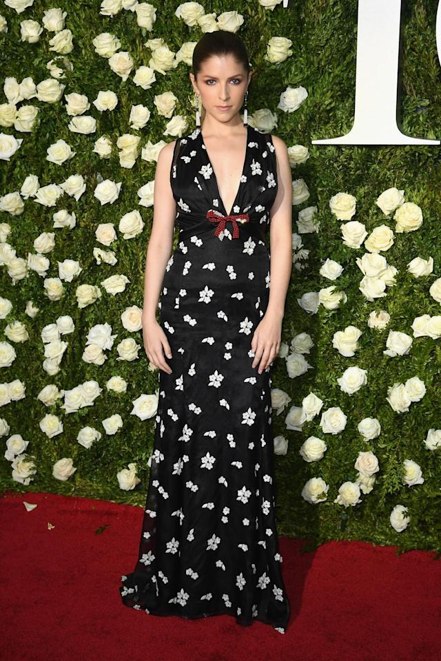 <p>The actress is pitch perfect — sorry, guys, but 'tis true — in this flowery number. (Photo: Getty Images) </p>