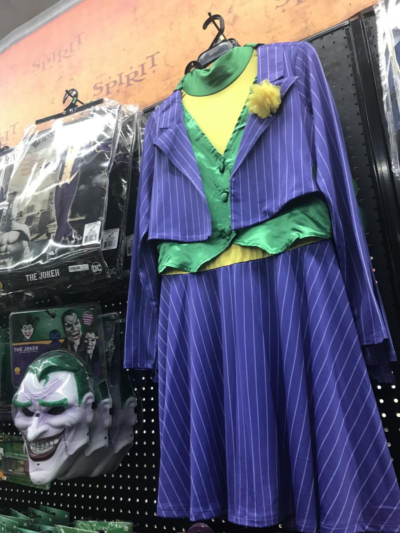 Joker costume essentials (Photo: Yahoo Entertainment)