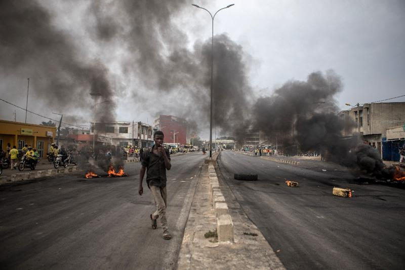 Protesters in early May barricaded the streets of Cadjehoun, the stronghold of Boni Yayi (AFP Photo/Yanick Folly)