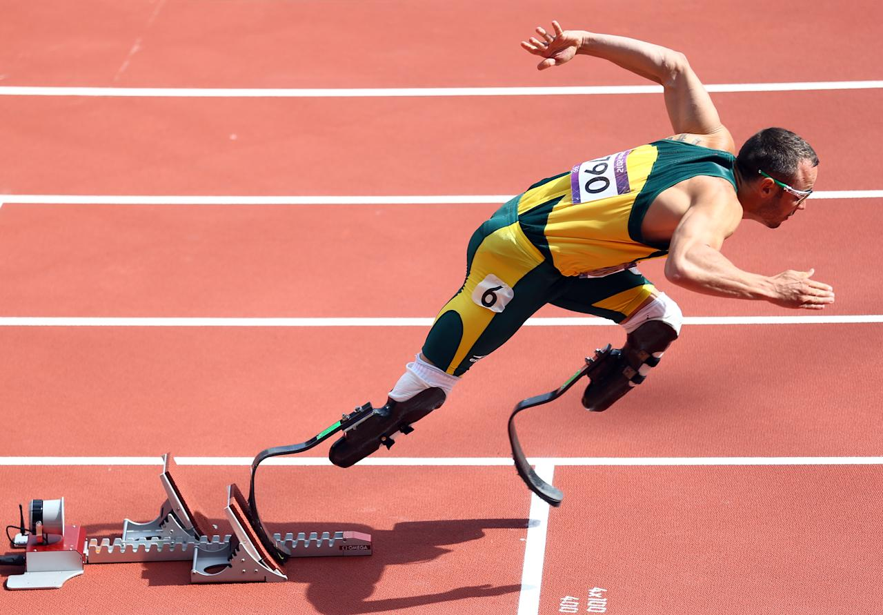 LONDON, ENGLAND - AUGUST 04:  Oscar Pistorius of South Africa competes in the Men's 400m Round 1 Heats on Day 8 of the London 2012 Olympic Games at Olympic Stadium on August 4, 2012 in London, England.  (Photo by Paul Gilham/Getty Images)