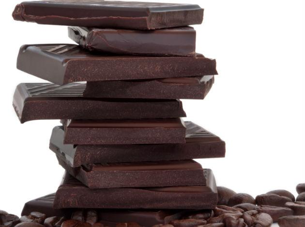 <p><strong>Diet food 9: Dark chocolate</strong><br /><br />Granted chocolate is not low in calories nor in fat, but dark chocolate has two major dietary positives that can lead to long term weight loss. First, it's quite difficult to munch massive quantities of high-quality dark chocolate as compared to the milk stuff. Secondly, dark chocolate is very high in health-promoting antioxidants. In terms of a weapon in your weight-loss armory, you can use dark chocolate as a way to curb any sweet cravings, just a few small squares to quell a full on chocolate binge is well worth the modest calorie intake.</p>