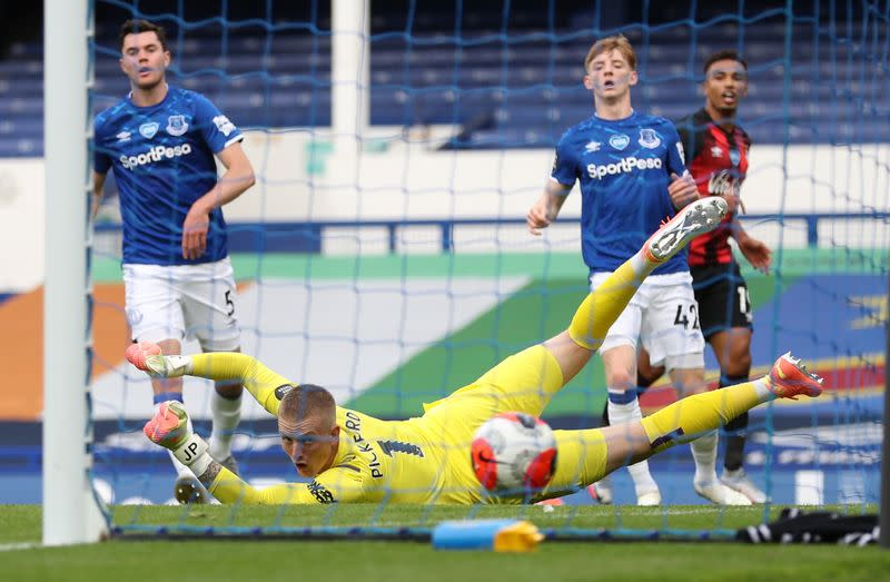 Brave Bournemouth end top-flight stay with win at Everton