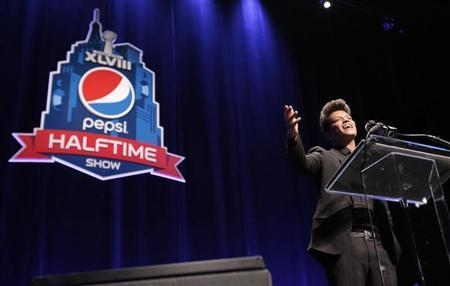 Singer Bruno Mars speaks at the Super Bowl half time press conference in New York January 30, 2014. REUTERS/Andrew Kelly