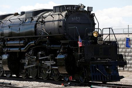 Bells, whistles and steam herald U S  Transcontinental