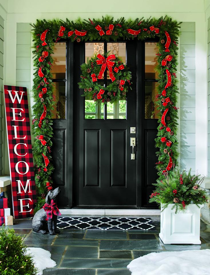 """<p> Perfect for an entryway or mantel, you can't go wrong with the <a href=""""https://www.popsugar.com/buy/Sleigh-Ride-Cordless-Greenery-Collection-488027?p_name=Sleigh%20Ride%20Cordless%20Greenery%20Collection&retailer=grandinroad.com&pid=488027&price=129&evar1=casa%3Aus&evar9=46570745&evar98=https%3A%2F%2Fwww.popsugar.com%2Fphoto-gallery%2F46570745%2Fimage%2F46570878%2FSleigh-Ride-Cordless-Greenery-Collection&list1=shopping%2Choliday%2Cchristmas%2Cchristmas%20decor%2Chome%20shopping&prop13=api&pdata=1"""" rel=""""nofollow"""" data-shoppable-link=""""1"""" target=""""_blank"""" class=""""ga-track"""" data-ga-category=""""Related"""" data-ga-label=""""http://www.grandinroad.com/sleigh-ride-cordless-greenery-collection/1293471?listIndex=0"""" data-ga-action=""""In-Line Links"""">Sleigh Ride Cordless Greenery Collection</a> ($129). </p>"""