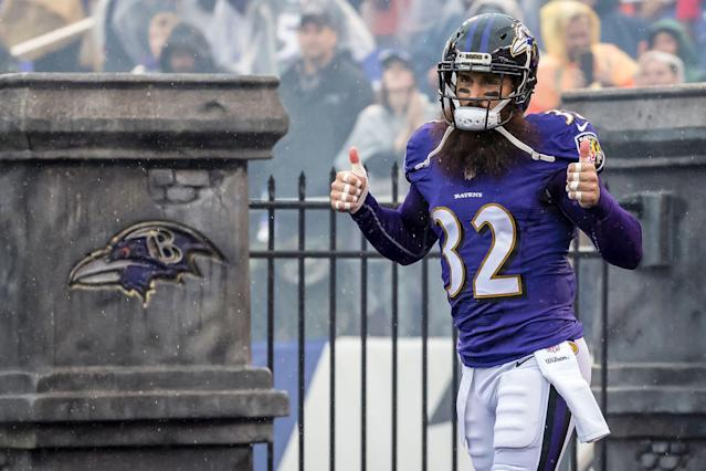 "Eric Weddle is reportedly signing a two-year deal with the <a class=""link rapid-noclick-resp"" href=""/nfl/teams/la-rams/"" data-ylk=""slk:Los Angeles Rams"">Los Angeles Rams</a>. (Getty)"