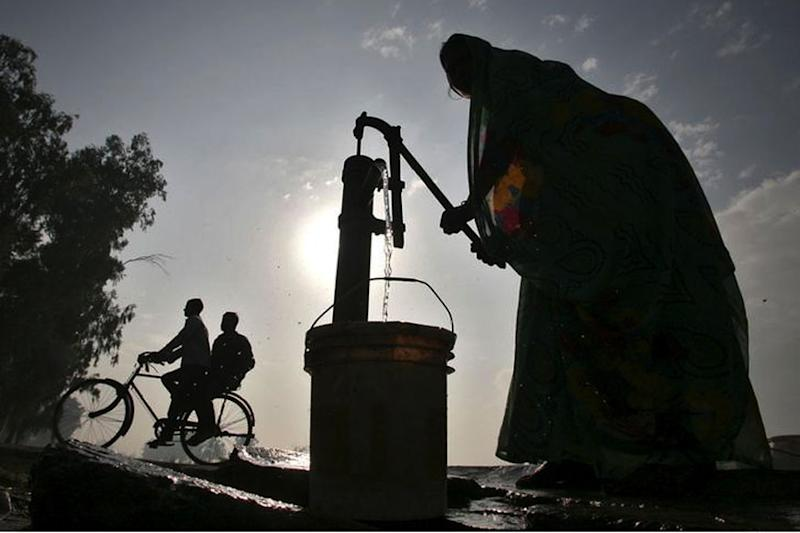 Dual Water Sources Available in Cities Which Face Risk of Running out of Groundwater by 2020: Govt