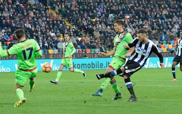 Cyril Thereau, incombustible ariete del Udinese.