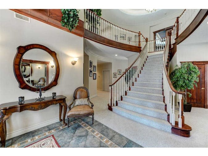 """<p>This 6,644-square-foot home sits on a rural lot spanning more than 1.250 acres. (Listing via <a rel=""""nofollow"""" href=""""https://www.remax.ca/ab/rural-parkland-county-real-estate/na-27023-twp-rd-511-road-na-wp_id173150109-lst/"""">Remax</a>) </p>"""