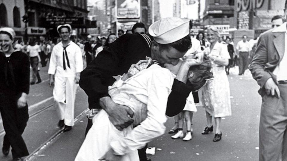 The sailor shown kissing a woman in Times Square celebrating the end of World War II died Sunday in 1945. Source: AP