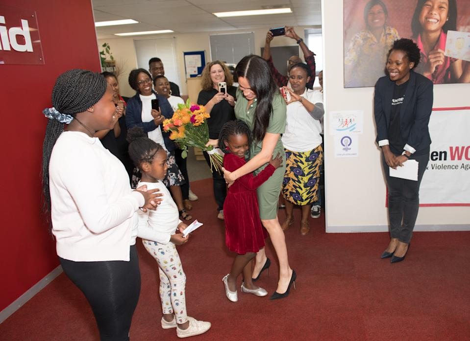 JOHANNESBURG, SOUTH AFRICA - OCTOBER 01: Meghan, Duchess of Sussex visits ActionAid during the royal tour of South Africa on October 01, 2019 in Johannesburg, South Africa. (Photo by Samir Hussein/WireImage)