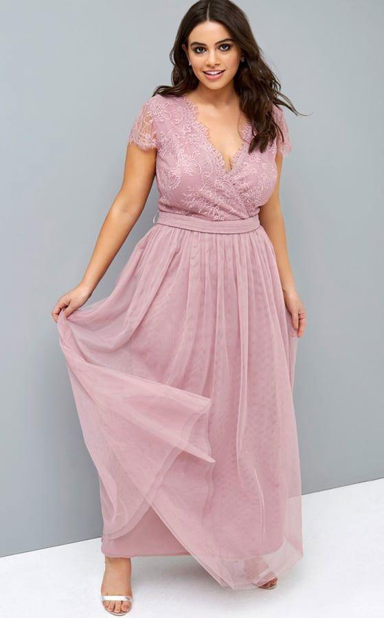 "<p><a rel=""nofollow"" href=""https://www.little-mistress.com/little-mistress-curvy-rose-maxi-dress-p6745"">Buy now</a> Little Mistress Curvy Rose Maxi Dress, little-mistress.com, sizes 16-26, £78</p>"