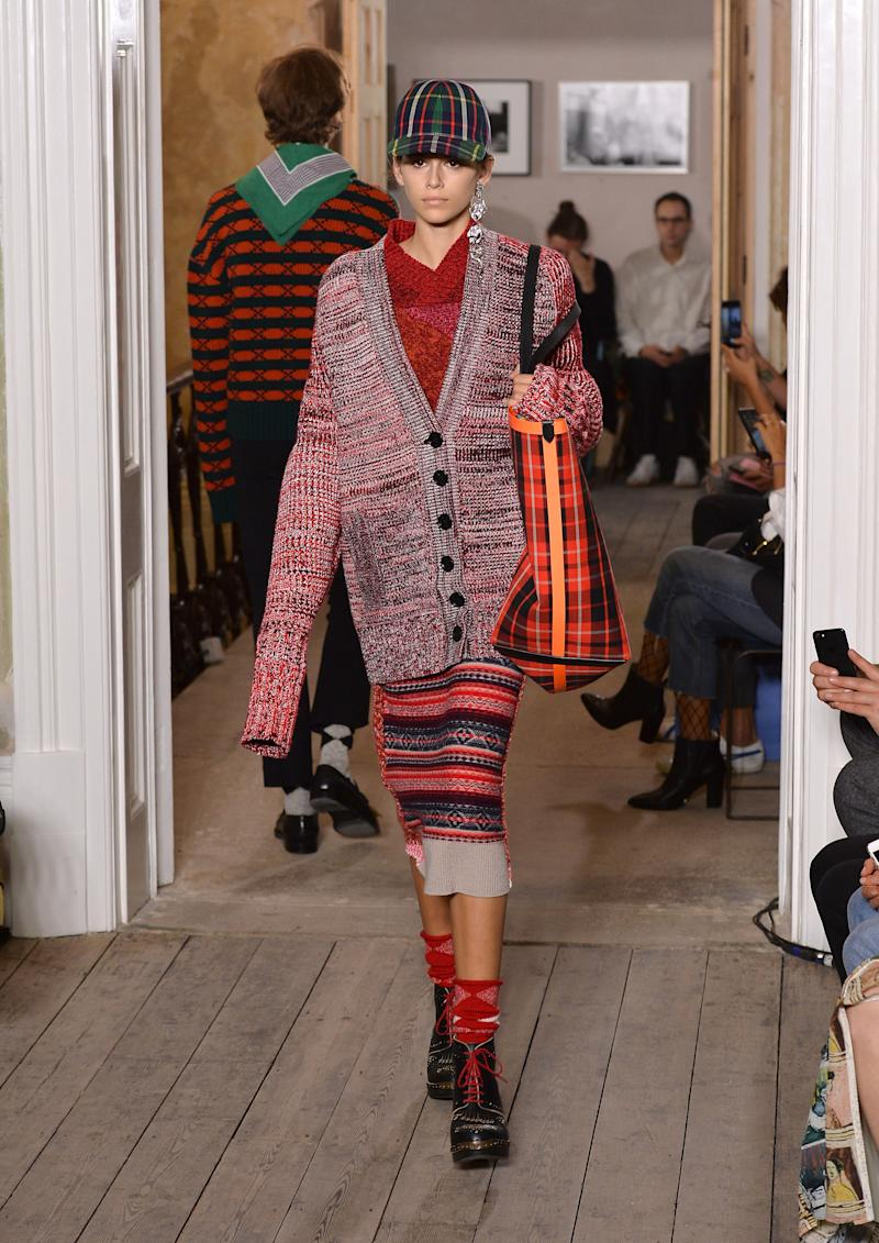 Kaia Gerber walks the runway at the Burberry show during London Fashion Week September 2017 on September 16, 2017 in London, England. (Photo by Jeff Spicer/BFC/Getty Images for The British Fashion Council)