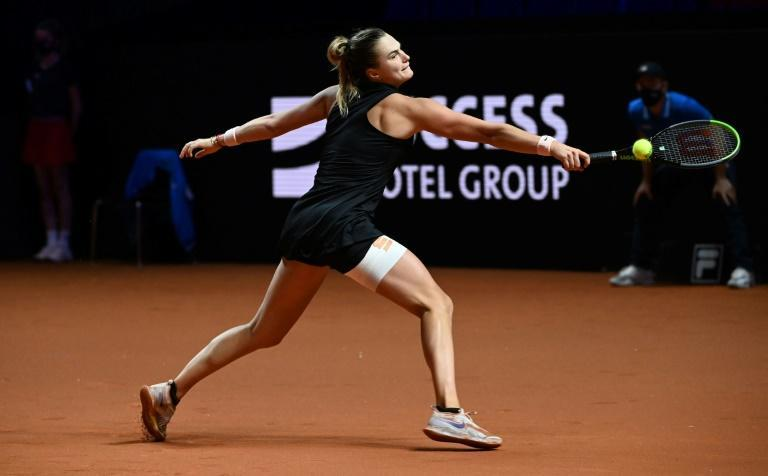 Aryna Sabalenka played the third set of the Stuttgart final on Sunday with her right leg strapped