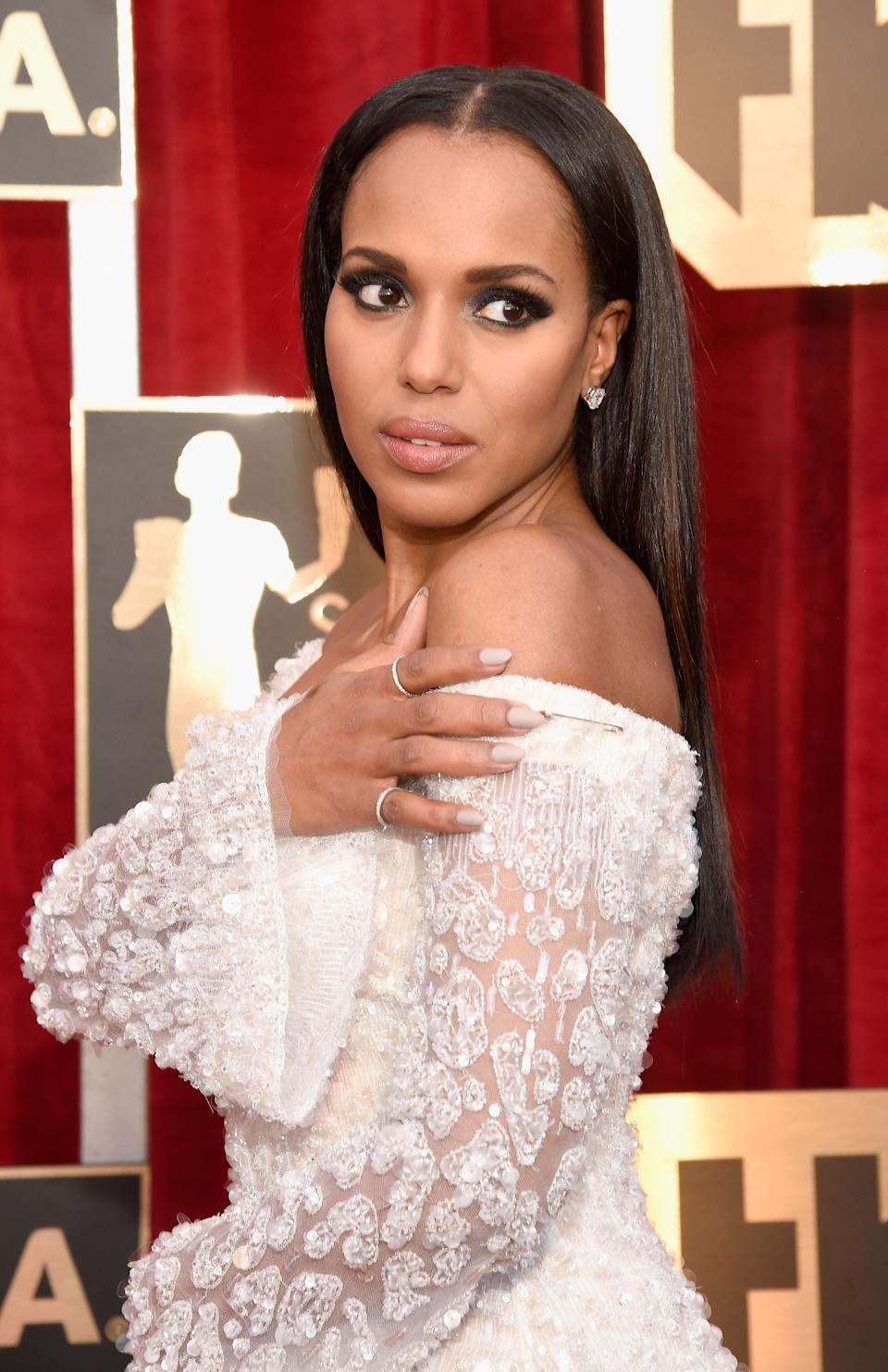 """Kerry Washington wears a safety pin during the 23rd annual Screen Actors Guild Awards.<br /><br />""""I'll be wearing one of these tonight. On my arm. To show solidarity. We will not stop fighting for our safety & the safety of our fellow citizens and human beings.Actors are activists, no matter what, because we embody the worth and humanity of all people."""""""
